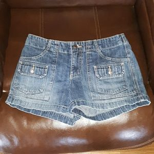 Old Navy womens 4 blue jean shorts, cute!